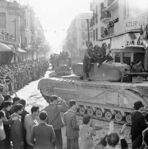 Brit csapatok bevonulása Tuniszba (1943)